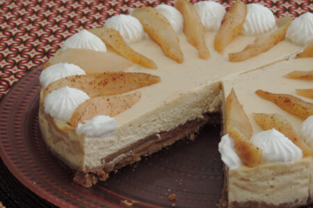Cheesecake met gekarameliseerde peren