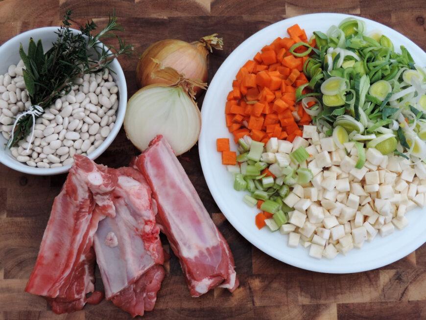witte bonensoep of ribkessoep verse ingrediënten