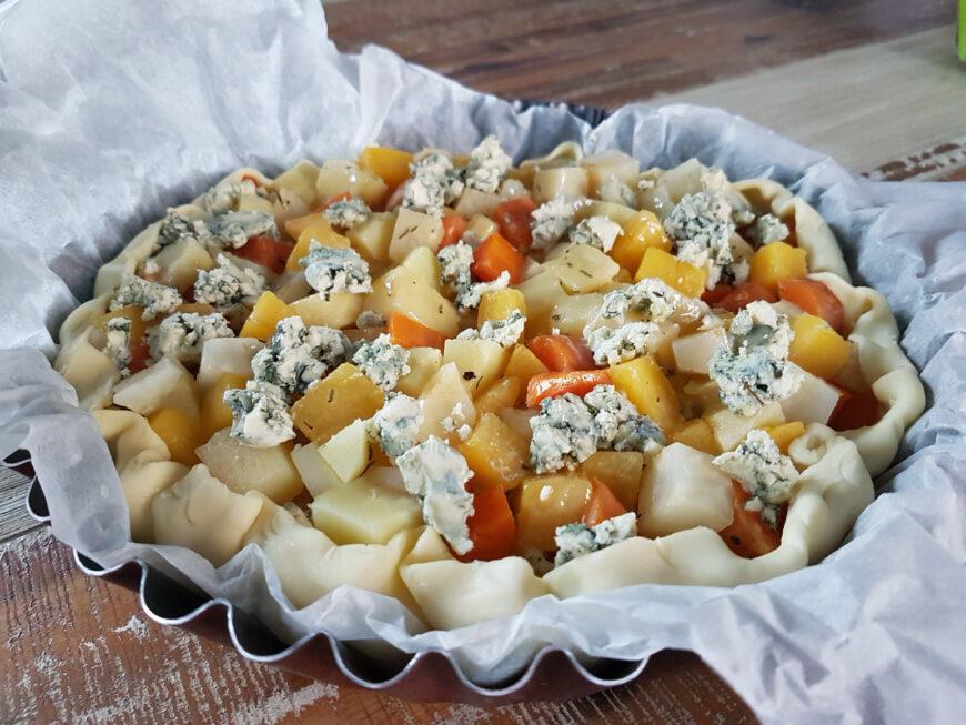 Hartige taart met wintergroenten en blauwe kaas 1