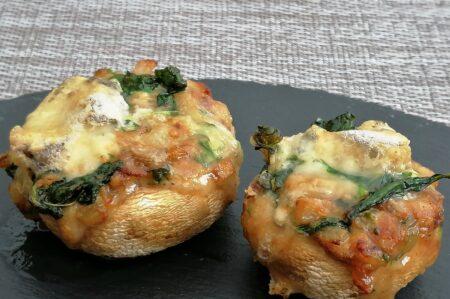 Gevulde champignons met spinazie en blauwe kaas